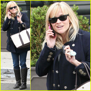 Reese Witherspoon Talks After Tavern Lunch