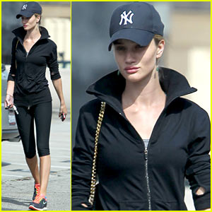 Rosie Huntington-Whiteley: Gym Gal!