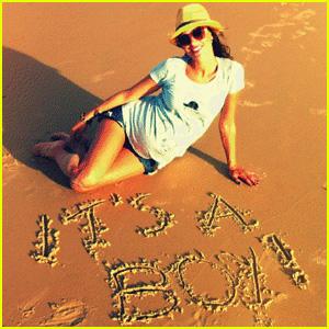 Alessandra Ambrosio Expecting Baby Boy!
