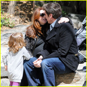 Alyson Hannigan: Baby Bump in Central Park!