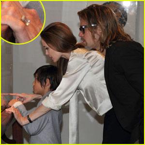 Angelina Jolie: Engagement Ring Revealed!