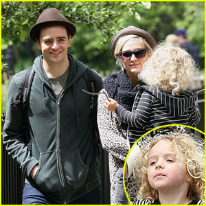 Ashlee Simpson: Afternoon Out with Bronx & Vincent