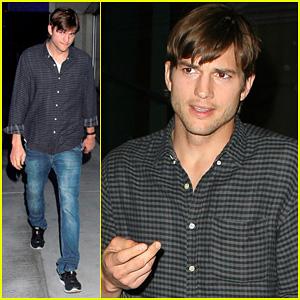 Ashton Kutcher Cheers On the Lakers!