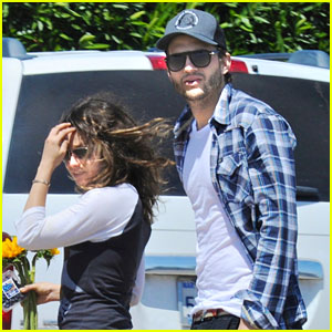 Ashton Kutcher & Mila Kunis: Weekend Getaway - First Pics!