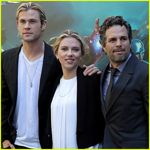 'Avengers' Cast: Rome Photo Call!
