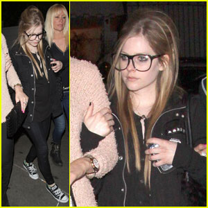 Avril Lavigne: Girls' Night Out at Chateau Marmont!