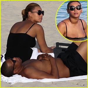 Beyonce & Jay-Z: Sunny Beach Day!