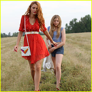 Blake Lively & Chloe Moretz: 'Hick' Trailer!