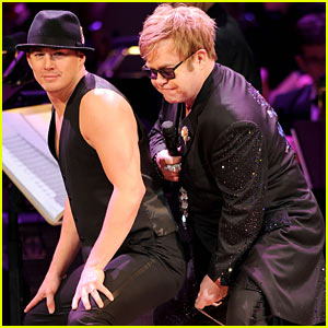 Channing Tatum Booty Pops for Elton John!