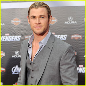 Chris Hemsworth Premieres 'The Avengers'