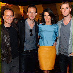Chris Hemsworth & Tom Hiddleston: 'Avengers' Screening!