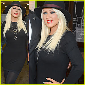 Christina Aguilera: Crenshaw High School Surprise Visit!