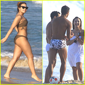 Demi Lovato: Bikini Body Beautiful