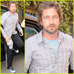 Gerard Butler: Doctor's Office Dude
