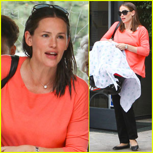 Jennifer Garner to Ben Affleck: Thanks for Taking Over Bedtime!