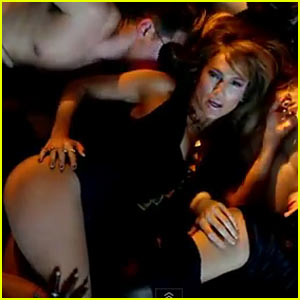 Jennifer Lopez's 'Dance Again' Video - Watch Now!
