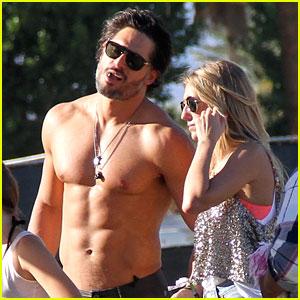 Joe Manganiello: Shirtless at Coachella!