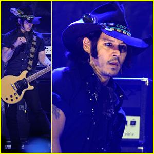 Johnny Depp: Revolver Golden Gods Awards with Marilyn Manson!