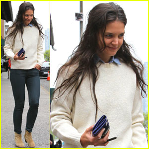 Katie Holmes Treks Through Tribeca