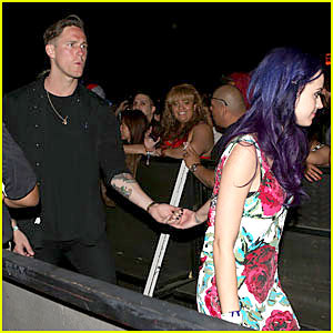 Katy Perry & Robert Ackroyd: Holding Hands!