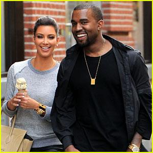 Kim Kardashian & Kanye West: Romantic Stroll in NYC!