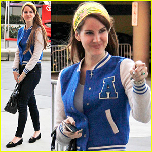 Lana Del Rey: Lakers Game with Jimmy Iovine!