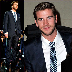 Liam Hemsworth: ACM Awards Fan Jam!