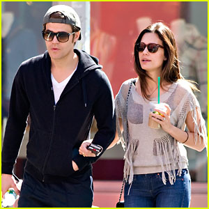 Paul Wesley: NYC Stroll with Torrey DeVitto!