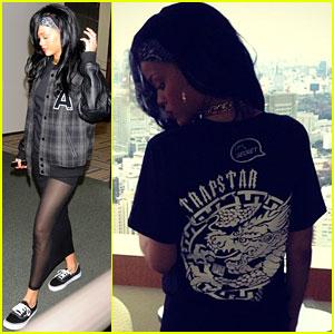 Rihanna: Sheer Skirt in Tokyo!