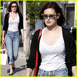 Rumer Willis: Shopping & Salon Day!