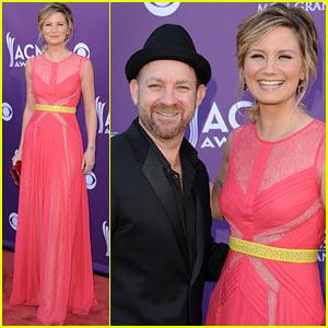 Sugarland - ACM Awards 2012 Red Carpet
