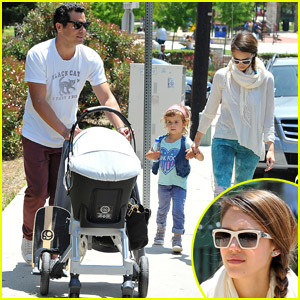 Jessica Alba: Coldwater Park with the Family