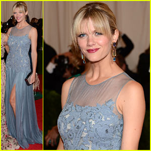 Brooklyn Decker - Met Ball 2012