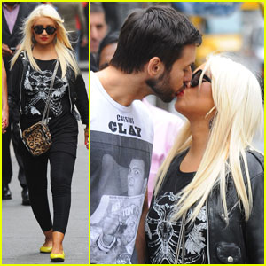 Christina Aguilera & Matt Rutler: Kissy Couple in Soho