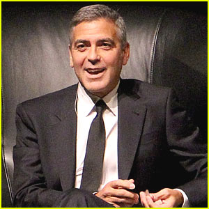 George Clooney: Standing Ovation in Houston!