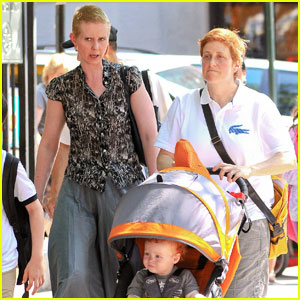 Cynthia Nixon & Christine Marinoni: Newlyweds in NYC!