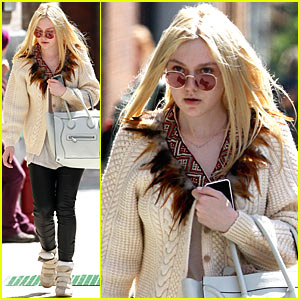 Dakota Fanning Wigs Out on YouTube
