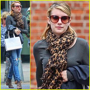 Emma Roberts: Big Apple Shopper!