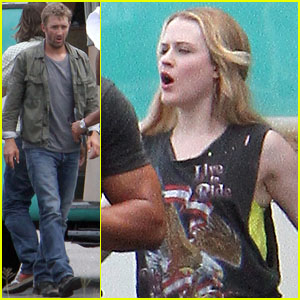 Evan Rachel Wood: 'Barefoot' On Set