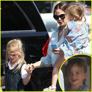 Jennifer Garner: Country Mart with Violet & Seraphina!