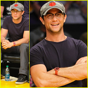 Joseph Gordon-Levitt: Lakers Courtside Seats!