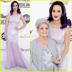 Katy Perry: Billboard Awards 2012 with Grandmother Ann!