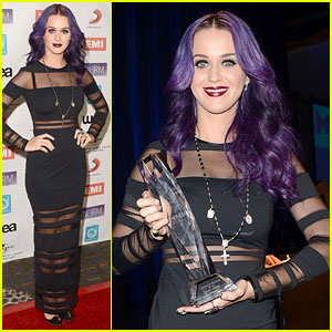 8a36d24090d84 Katy Perry  NARM Music Awards Artist of the Year! Katy Perry proudly shows  off her ...