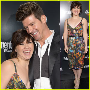 Kelly Clarkson: ABC Upfront with Robin Thicke!