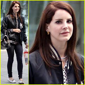 Lana Del Rey Lands in London