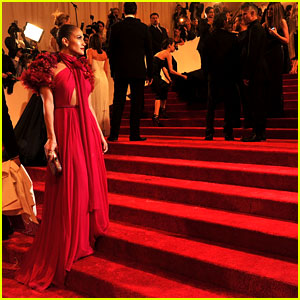 Watch Met Ball 2012 Red Carpet Live Stream!