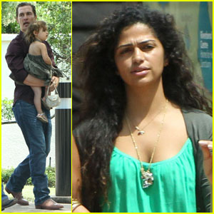 Matthew McConaughey &#038; Family: Sunday Stroll