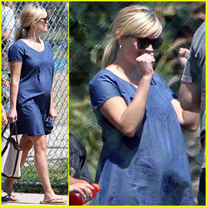 Pregnant Reese Witherspoon Cheers on Son Deacon