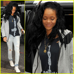 Rihanna May Appear in New 'SNL' Sketches