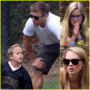 Ryan Phillippe: Football Fun with the Kids!